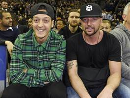 Photos: Arsenal, Chelsea and Tottenham stars watch NBA match in London together