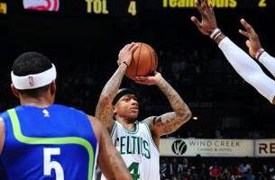 Watch: Isaiah Thomas delivers winner to send Celtics past Hawks