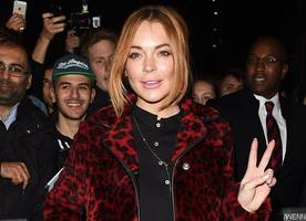 Lindsay Lohan Gets Cozy With Mystery Hunk in Florence Amid Rumors She's Converting to Islam