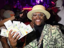 "Floyd Mayweather To UFC President's $25 Mil Conor McGregor Offer: ""He's A F**king Comedian"" [Video]"