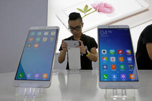China tells app stores to register with the government