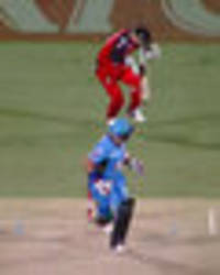 Cricketer Peter Nevill SMASHED on head by bat in Big Bash League game