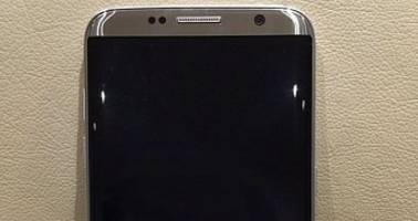 Samsung Galaxy S8 Purported in Real Life Image