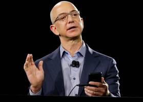 Amazon is crushing Walmart, eBay, and Target in the growing mobile shopping space (AMZN)