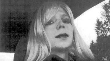 Obama just freed whistleblower Chelsea Manning