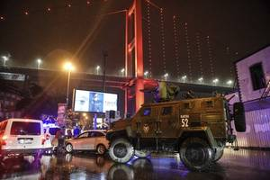 Reports: police question Istanbul nightclub attacker