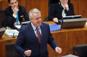 carwyn jones insists the national assembly will have to vote on the final brexit deal