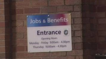 december shows drop of 800 in number claiming unemployment benefit