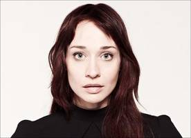 Fiona Apple Releases New Anti-Trump Track 'Tiny Hands'