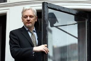 Julian Assange's lawyer says Obama still hasn't met standards for extradition promise