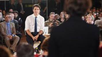 Justin Trudeau refuses to answer questions in English
