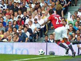 valencia extends united contract