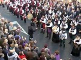 bagpipe band perform version of ac/dc's thunderstruck