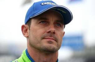 Casey Mears encounters coyote while skiing in Colorado