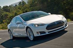 tesla's crash rate dropped 40 percent after autopilot was installed, feds say