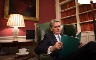 "Hammond: The UK will ""find ways"" to compete without a trade deal"