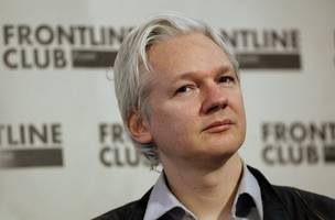 wikileaks' founder assange: i stand by everything including offer to go to us
