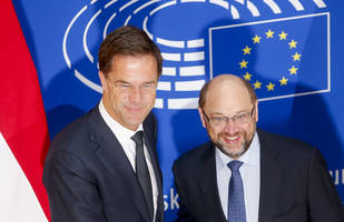 rutte and schulz take the gloves off in front of davos elite