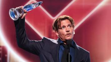 People's Choice Awards: Johnny Depp thanks fans who 'stood by me'