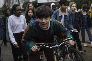 Declan McKenna Shares Clip For 'The Kids Don't Wanna Come Home'