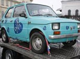 poles club together and buy tom hanks a fiat 126