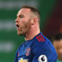 liverpool lose, rooney breaks united record