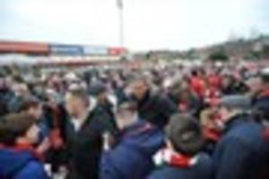 stan collymore joins nottingham forest protesters as he seeks...