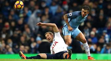 Tottenham salvages draw at Manchester City after Lloris blunders