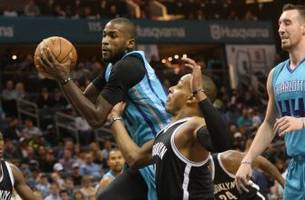 hornets live to go: hornets use big plays in fourth quarter to pick up third straight win
