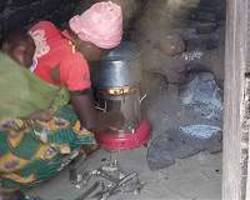 advanced cookstoves provide environmental benefits, but less than expected
