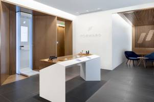 is this apple store-inspired setup the future of health care? forward says yes