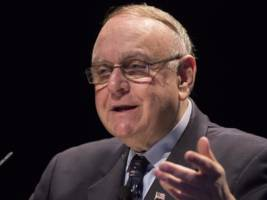 lee cooperman's omega: 2017 is the year for stock pickers