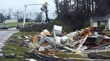 18 people killed in tornado in southern states of america