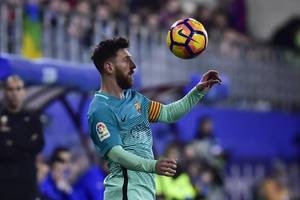 Messi scores 5th goal in 6 games as Barcelona beats Eibar