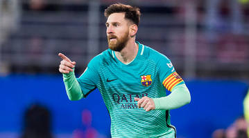 Lionel Messi scores 5th goal in 6 games as Barcelona routs Eibar