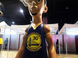 NBA: Steph Curry Claims Most Popular Jersey