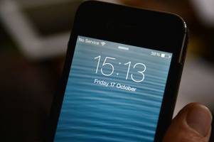 Mobile phone customers on Vodafone, O2, Three and EE all experiencing signal issues in Ayr