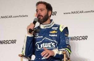how jimmie johnson got snoop dogg to play his championship party