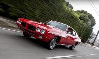 1970 pontiac gto judge lands in jay leno's hands, he puts the pedal to the metal