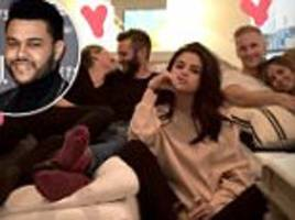 selena gomez third wheels watching super bowl with couples