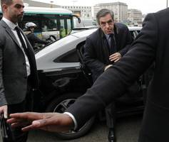 with françois fillon in the gutter, france can expect a battle of insurgents