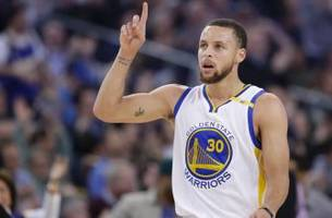 stephen curry responds to under armour ceo who supports trump