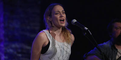 "watch fiona apple cover swv's ""weak"""