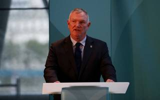 fa boss offers to resign if he fails to reform organisaiton