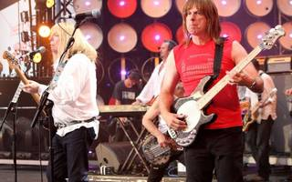 lawsuit turned up to 11 as spinal tap back together to sue vivendi