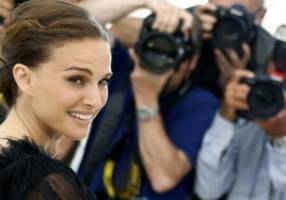 jewish hollywood actress natalie portman explains hebrew slang in a vanity fair video