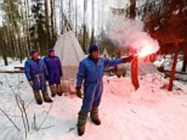 nasa astronauts do survival training in moscow for iss