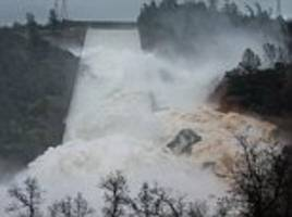 Officials investigate Oroville Dam after water level drop