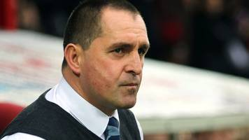 martin allen: eastleigh manager puzzled by home win drought