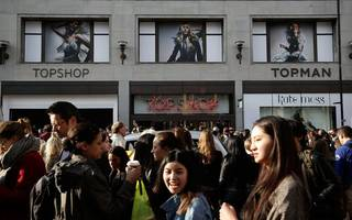 topshop logistics workers are going on strike